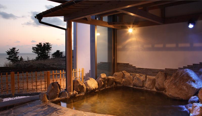 ハタハタ館の温泉