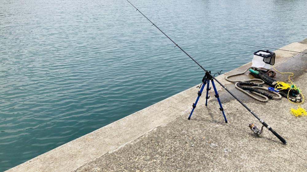 防波堤釣りではちょい投げが手軽!